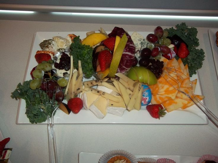 Pepeprberry Fruit & Cheese Tray