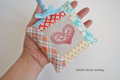 chick chick sewing: Eraser stamped lavender sachet for my friend 友人に消しゴムはんこのラベンダーサシェ
