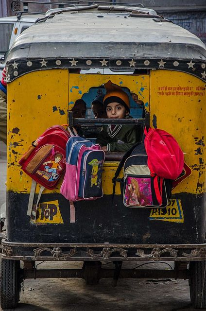 Interesting picture: Children going to school in an autorickshaw @Jodhpur, Rajasthan, #India