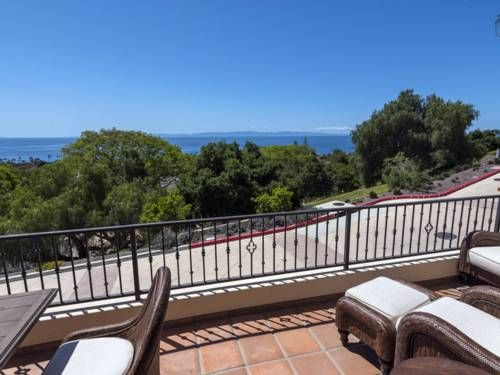 Seaside Heights Apartment Santa Barbara (California) Set 1.5 km from Santa Barbara City College in Santa Barbara, this air-conditioned apartment features a balcony. The property features views of the sea and is 2.4 km from Antioch College. Free WiFi is provided throughout the property.