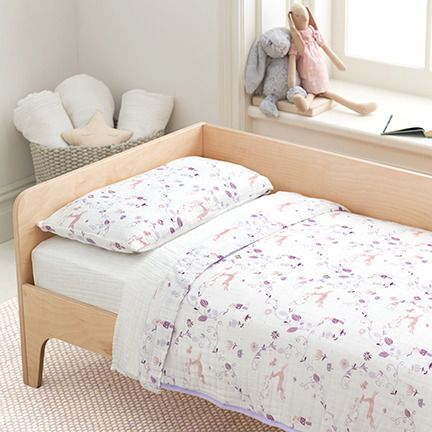 aden and anais new toddler bedding sets the top and bottom sheets are stitched together