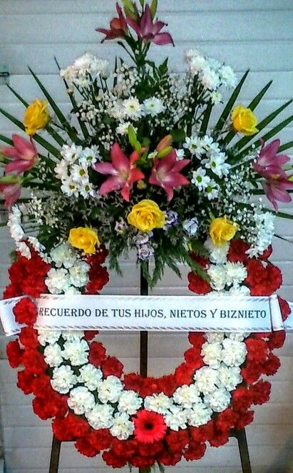 68 best images about coronas de flores para difuntos on - Coronas de flore ...