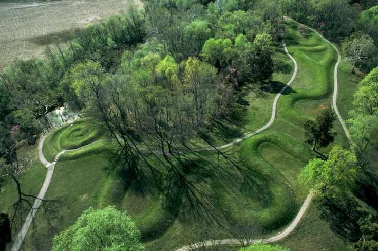 Serpent Mound. This traditional effigy mound, named for its winding shape across Adams County, Ohio, aligns astronomically with the passing seasons. Photo by Richard A. Cooke.