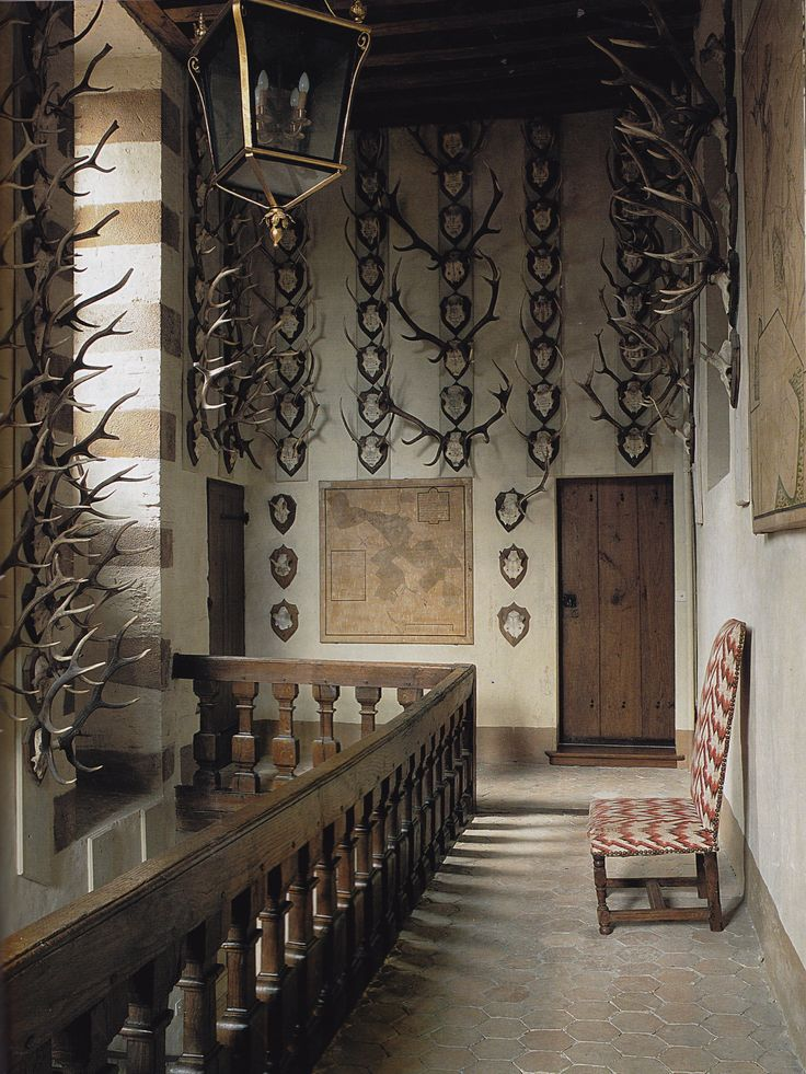 Astounding 17 Best Ideas About Hunting Lodge Interiors On Pinterest Hunting Largest Home Design Picture Inspirations Pitcheantrous