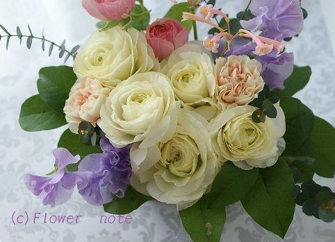 『【供花】天国のワンちゃん&寄り添う花』 http://ameblo.jp/flower-note/entry-11203538114.html