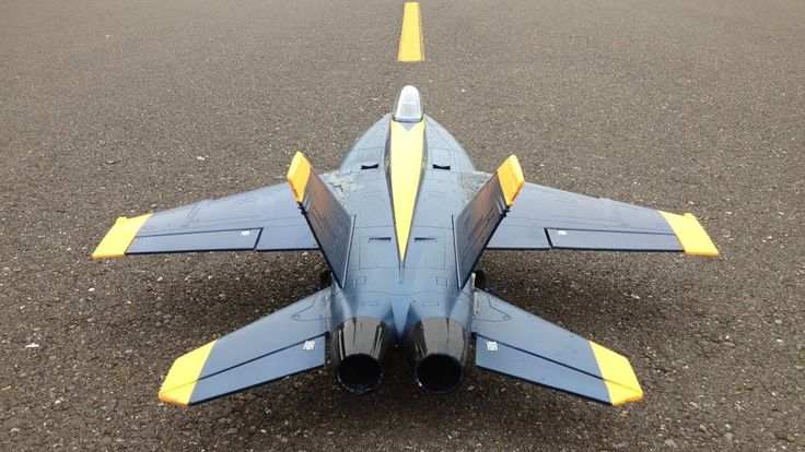 This Hornet gives a great idea of the panel lines in styrofoam on an EDF jet along with the proportion of the asphalt texture