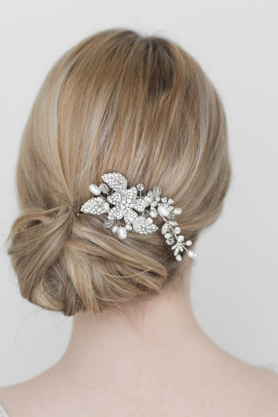 Crystal wedding hair comb by PowderBlueBijoux. How pretty is this? Her shop is in Vancouver.