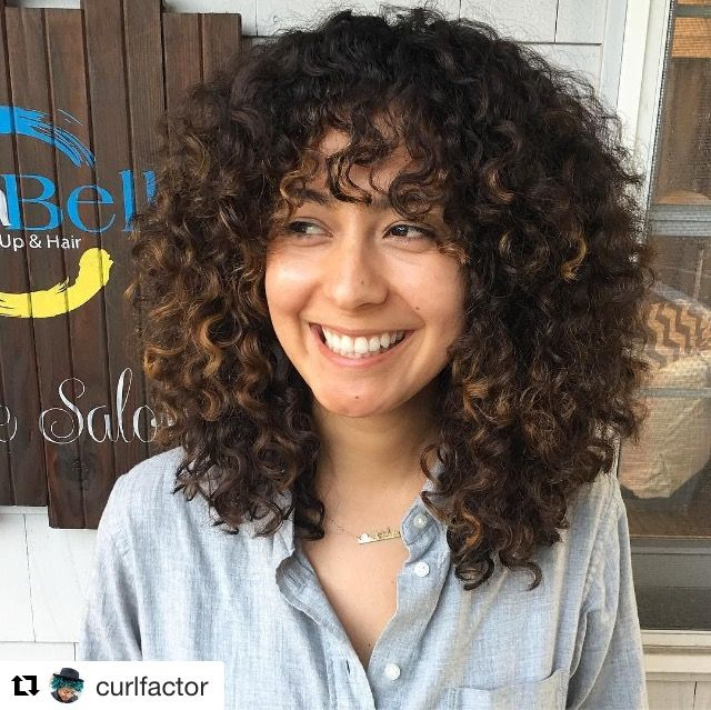 We <3 these #curly bangs! Such a beautiful, fresh look!
