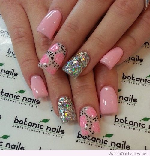 Botanic nails pink and silver with flowers and leopard print