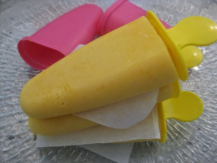 My Thermomix Kitchen - Blog for healthy low fat Weight Watchers friendly recipes for the Thermomix : Mango Yoghurt Popsicles