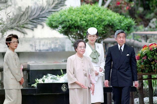 体力が衰えても続けた「慰霊の旅」 天皇陛下が各地で語られた平和への思い 「日本人が決して忘れてはならないこと」  BuzzFeed Japan 2016/8/8(月)  #皇室 #天皇陛下 #平和 #公務