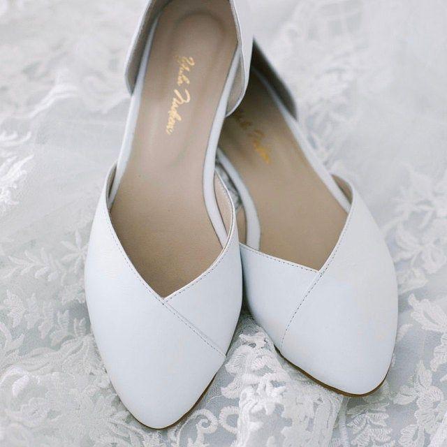 Wedding Shoes White Wedding Shoes Bridal Shoes Wedding Etsy In 2021 Winter Wedding Shoes Wedding Shoes Comfortable Bridal Shoes Flats