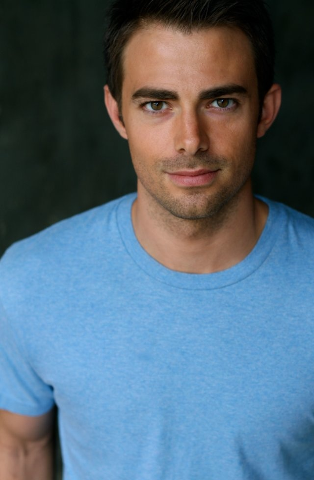 """Jonathan Bennett- """"you look sexy with your hair pushed back"""" haha it's Aaron Samuels!!"""