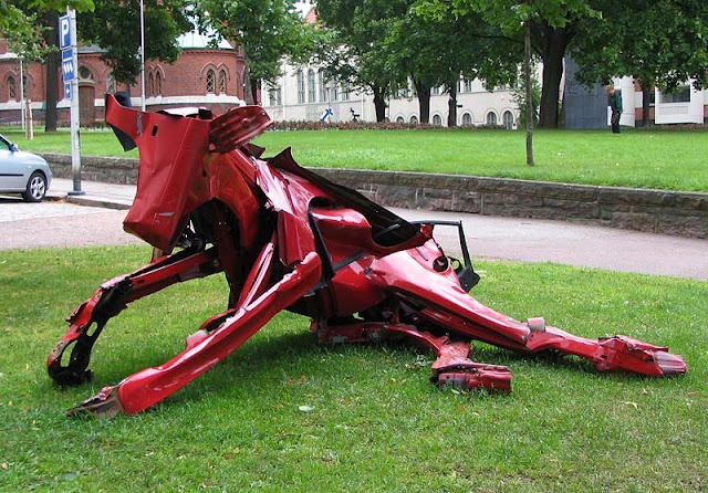A metal cow by Miina Äkkijyrkkä