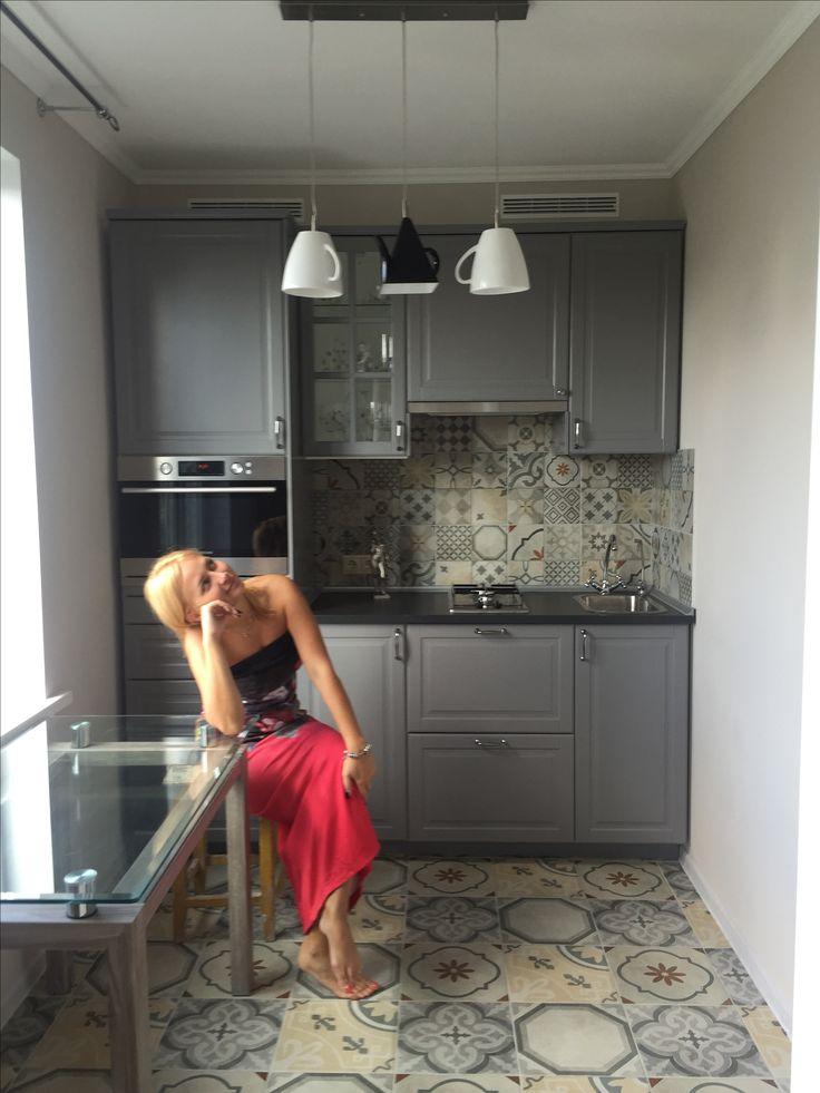 #ремонт #ремонтквартиры #однакомнатнаяквартира #кухня #икея #ikea #ikeakitchen #люстранакухню #artelamp #ковроваяплитка #артворк #самасебедизайнер