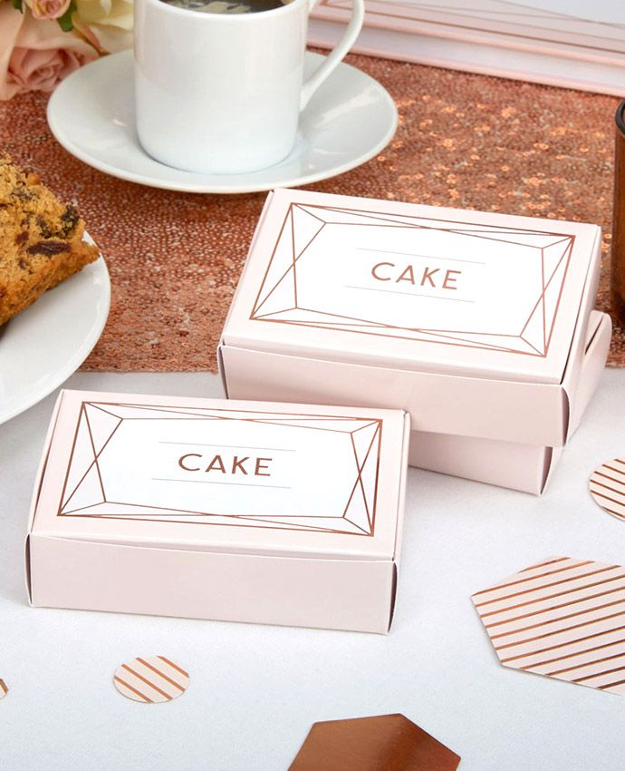 These geometric wedding cake boxes are the perfect way to give each guest a slice of cake to take home. Perfect for a geometric wedding theme.