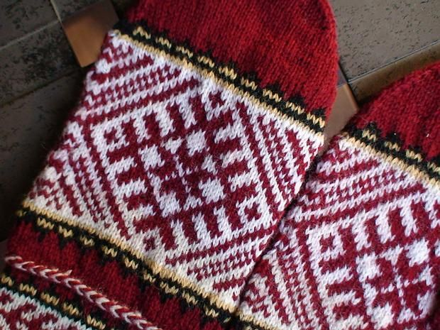 Lithuanian Knitting Patterns : 17 Best images about Latvia on Pinterest Charts, Europe and Lithuania
