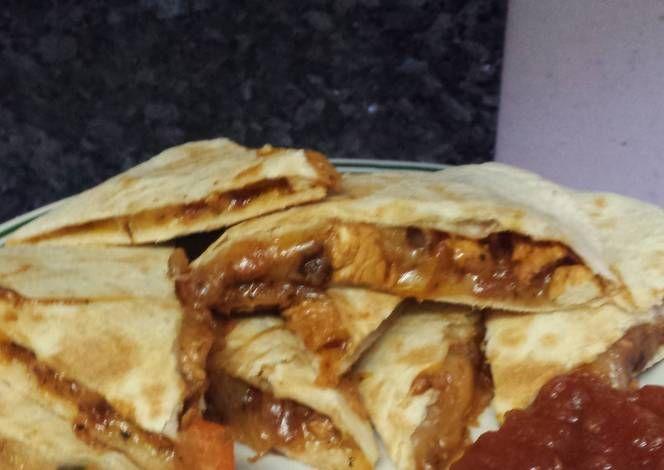 Easy chicken quesadillas Recipe -  Let's cook Easy chicken quesadillas by yourself!