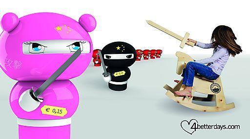 Mit exklusivem Holz gegen billigen Plastikramsch aus China | Fotograf: 4betterdays.com | Credit: 4betterdays.com | Mehr Informationen und Bilddownload in voller Auflösung: http://www.ots.at/presseaussendung/OBS_20121113_OBS0001  #china, #madeinchina, #handmade, #plastik, #ots