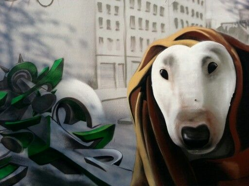 Paris graffitis chien peinture murale