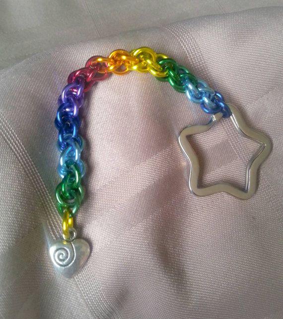 Regenboog hart sleutelhanger met Chainmaille sleutelhanger, Rainbow sleutelhanger, LGBT Pride sleutelhanger, Rainbow trots Item, trots accessoire, Rainbow accessoire