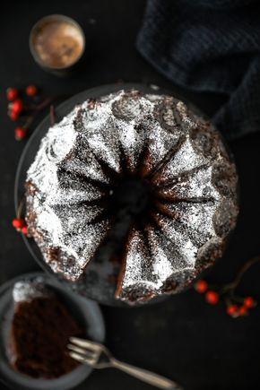 Gewürzkuchen Rezept Zuckerzimtundliebe spiced bundt cake Gugelhupf Schokoladenkuchen Schoko Gugelhupf Rührteig Rührkuchen Nordic Ware form Crown Foodblog Backblog weihnachtskuchen Herbstkuchen foodstyling food photography