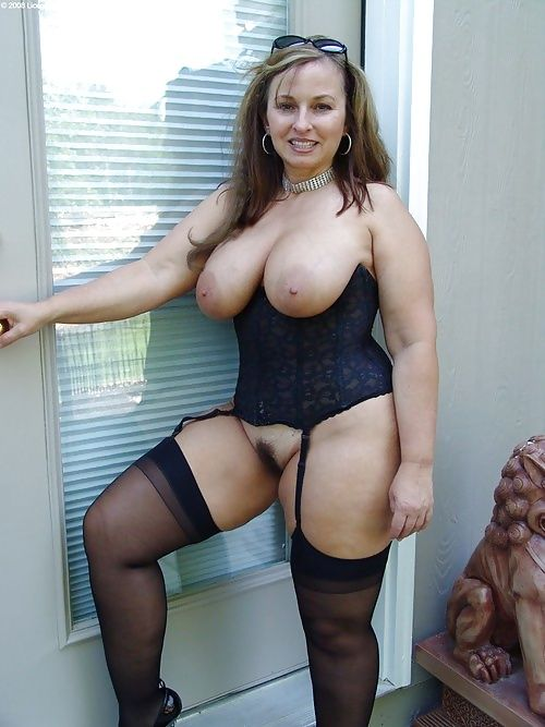 Sexy mature women with hairy fanny