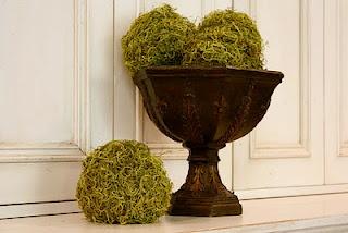 DIY Moss balls. Love it!