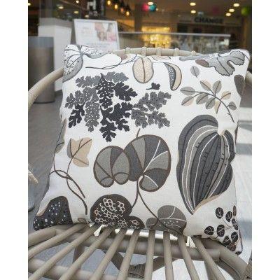 Beautiful Cushion w Leaves