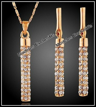 Exquisite and unique 18K yellow gold modern design pendant and earring set