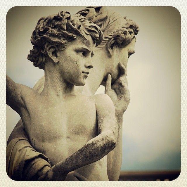 Cavour monument, detail, Turin - photo by Antonio Parisi