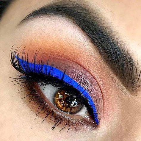 bold blue eyeliner  easy makeup idea for blue eyes