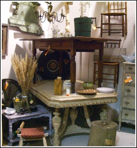 antique booth decorating ideas | Flea Market Finds - Flea Market and Other Secondhand Finds