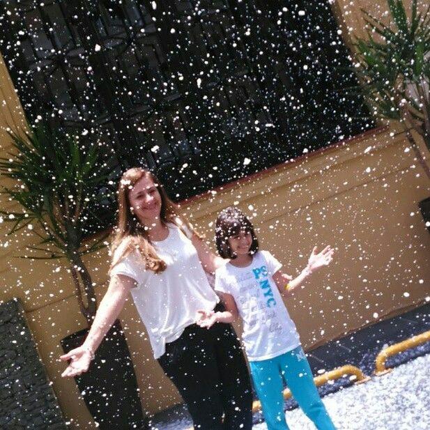 Aluguel máquina de neve artificial para sua festa fim de ano 11 947564076 whatsapp