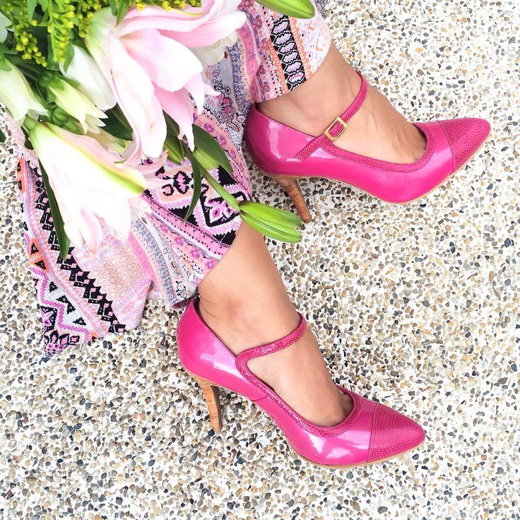 Zapatos magenta en cuero  💕The color of happiness and romance💕   Nos encanta este color lleno de alegría y romanticismo!   Últimos dos pares disponibles!   No te quedes sin los tuyos!!   Be Romantic, Be Piel Argenta 💖💖💖  #pielargenta #instyle #lifeisbetterinheels #fashion #trendy #shoes #tacones #cuero #hechoamano #hechoencolombia