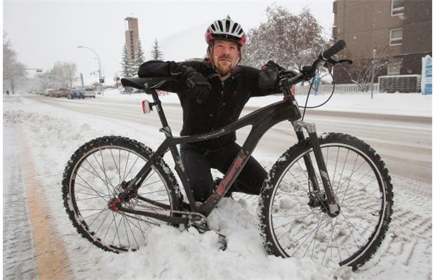 Edmonton doctor cycles through winter for health