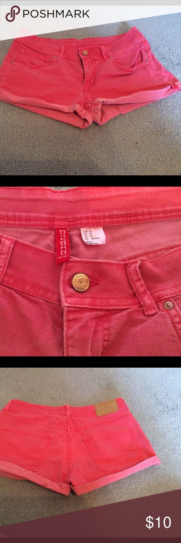 H&M Coral Jean Shorts Like new coral colored jean shorts. Brand is Divided by H&M. H&M Shorts Jean Shorts