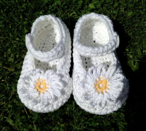 Baby Daisy Shoes. Cotton Baby Booties.