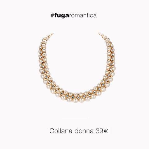 Collana in metallo con bagno in oro rosa, cristalli bianchi e perle sintetiche rosa pesca Luca Barra Gioielli. #collana #perle #lucabarragioielli #newcollection #gioiellidonna #fugaromantica