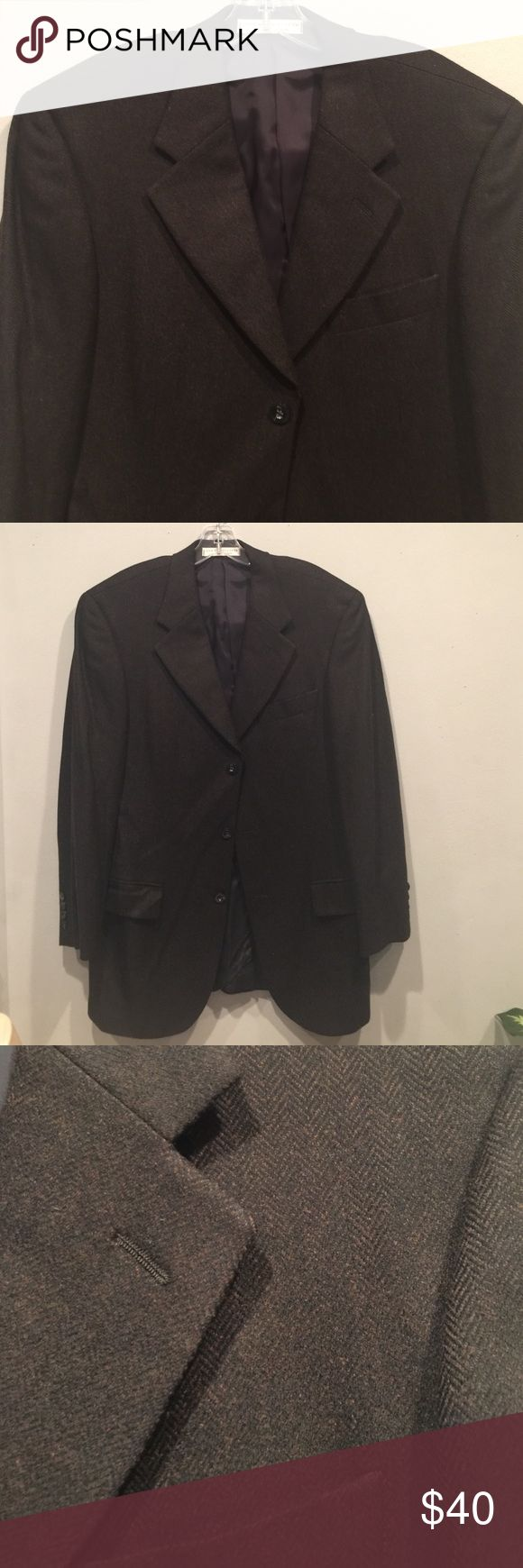 "Nordstroms wool and cashmere blend blazer In good condition, 3 button front, 4 button on cuffs, notch lapel, measures 18"" shoulder to shoulder across back, 31"" from shoulder to bottom hem, sleeve length 24"" John W. Nordstrom Jackets & Coats Blazers"