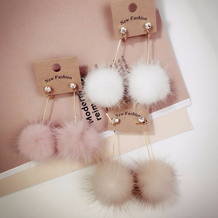 Korea Fashion Faux Fur Pom Pom Ball Dangle Earrings Stylish Design Drop Earring for Women Costume Cute Christmas Gift