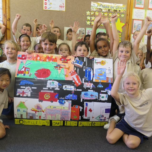rade 1 students at Sunningdale Preparatory made a mural to give to fire fighters who visited the school on invitation, to say thank you for the selfless sacrifices made during the raging Cape fires.