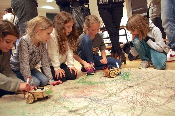 Robotics lessons in primary school - LOFI Robot
