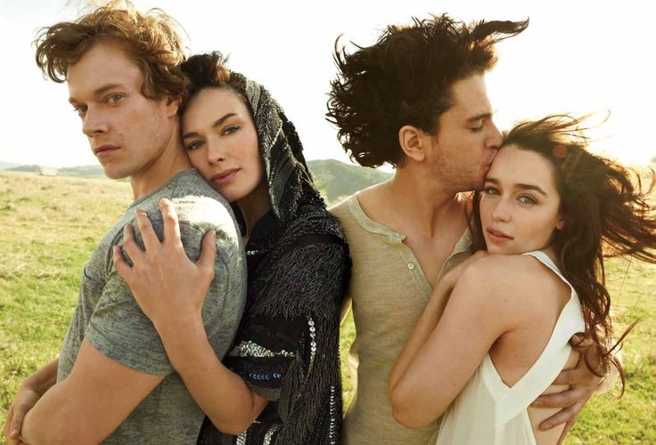Shooting for Rolling Stone magazine, Emilia Clarke (Daenery Targeryen Khaleesi, Kit Harrington (Jon Snow), Alfie Allen (Theon Greyjoy) & Lena Headey (Cersei Lannister), Game of Thrones, GOT