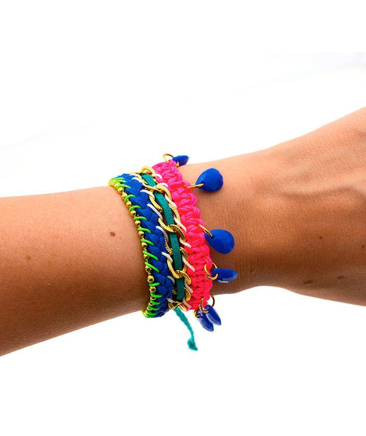 Gotas Azules - Trio de pulseras, cadena en aluminio, cuero azul y verde, gotas en resina. $18.000 COP. Cómpralo aquí--> https://www.dekosas.com/productos/dulce-encanto-accesorios-para-mujer-P24310-detalle