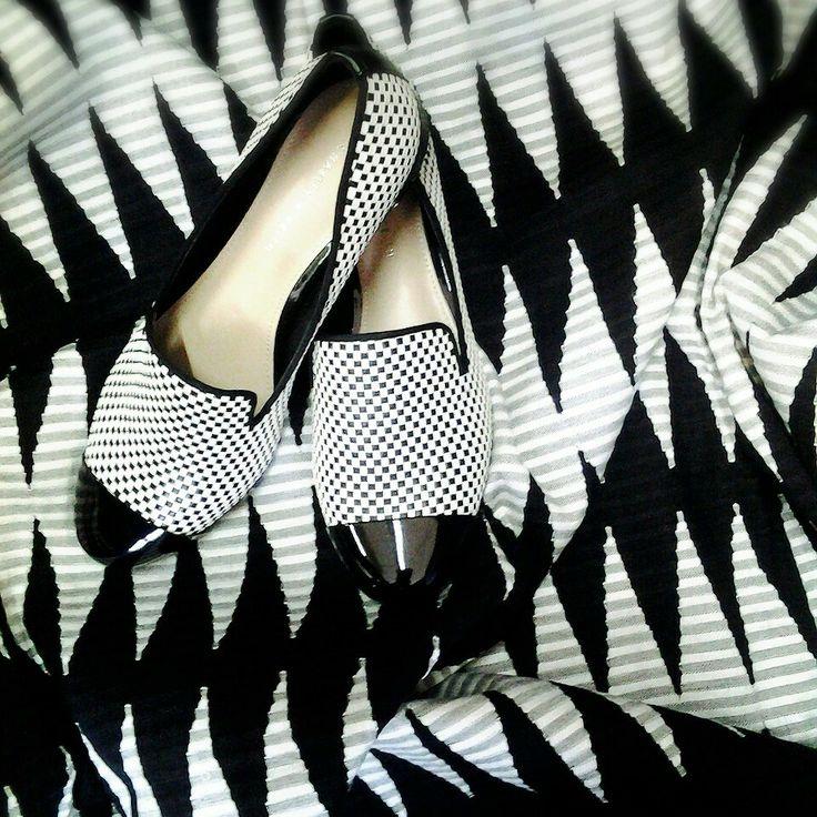 Black and white woven rangrang