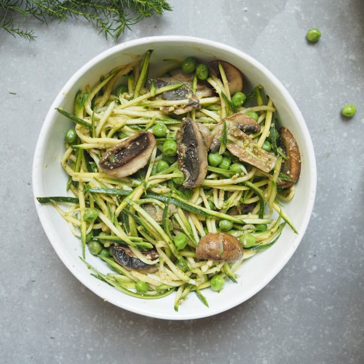 Courgette, Peas and Pesto Bowl - Madeleine Shaw