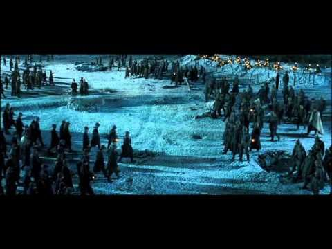 Joyeux Noël (2005) This heartwarming Christmas story set against the unlikely backdrop of World War I will surely excite any history buffs. Based on the real story of an impromptu 1914 Christmas Eve truce between British, French, and German troops, Joyeux Noël tells of a wave of holiday spirit that led soldiers to drop their weapons for the night.