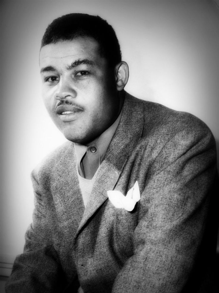 achievements of joe louis an american boxer Joe frazier was a famous american boxer check out this biography to know about his birthday, childhood, family life, achievements and fun facts about him this day.