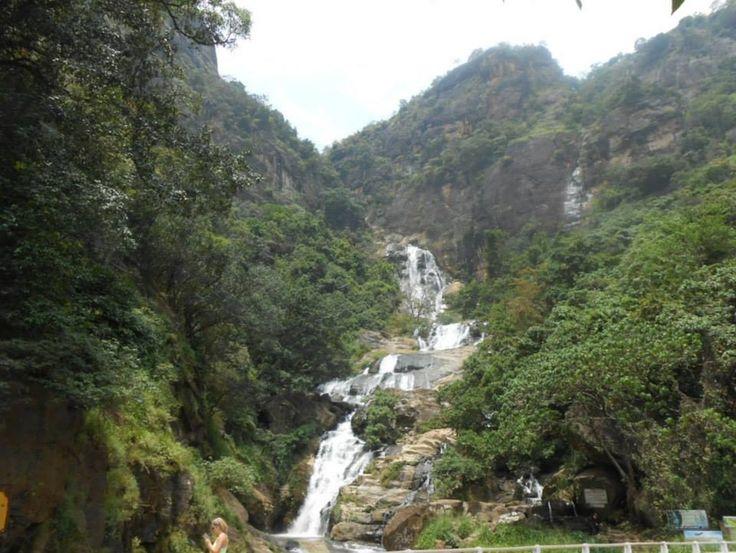 Waterfall - Sri Lanka - http://www.travelmoodz.com/en/travel-professional/raja-ranasinghe